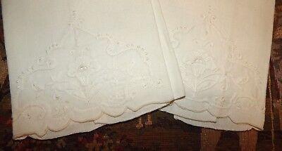 Pair Antique Vintage Madeira Embroidery Lace Trim Linen Napkins / Towels Set