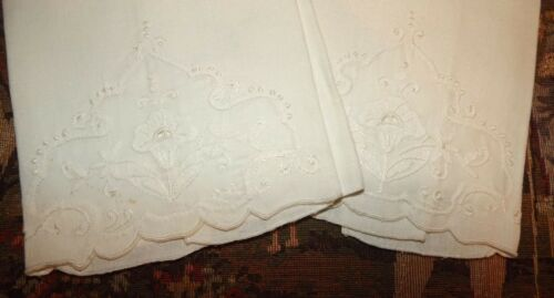 Pair Antique Vintage Madeira Embroidery Lace Trim Linen Napkins / Towels Set