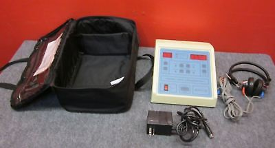 Ambco 1000 Audiometer Hearing Test Pitchtone Generator W Caseheadset Tested