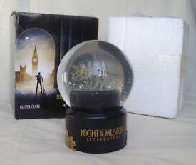 Film Promotional Memorabilia - Night at the Museum Secret & Tomb Glitter Globe (New)
