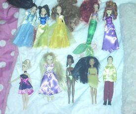 Snow White & 7 dwarves dolls + mini princess dolls