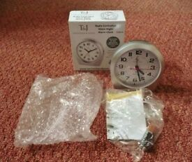 Tavistock & Jones Radio Controlled Silent Night Alarm Clock EL6610 with 1 X AA Battery
