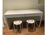 Desk and x2 stools