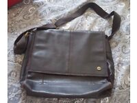 Storm Leather Unisex Messenger Bag – excellent condition