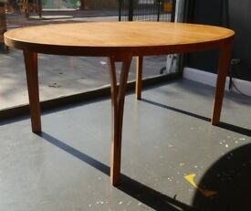 Vintage 1970s Teak extendable Sven Ellekaer oval dining table for Heltborg