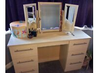 Vanity Table with Trifold Mirror