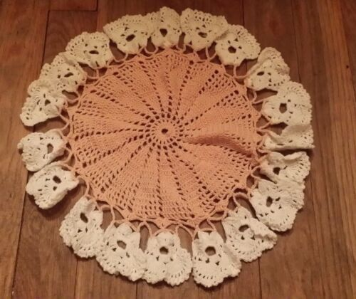 VINTAGE HAND CROCHET PEACH WHITE FLORAL ROUND DOILIE FREE SHIPPING