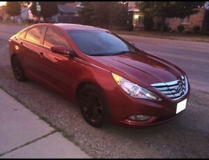 2011 Hyundai Sonata in mint condition loaded