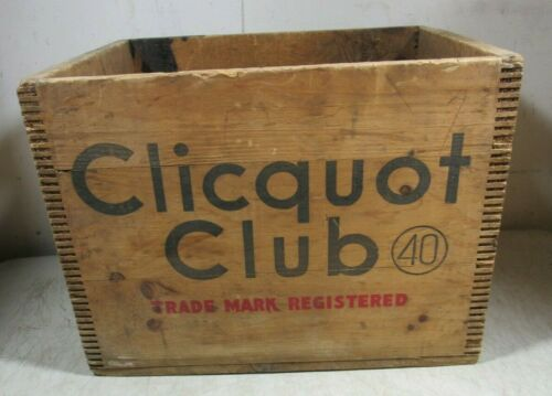 Vintage/Antique Clicquot Club 40 Soda Quart Bottle Wooden Crate Box MA