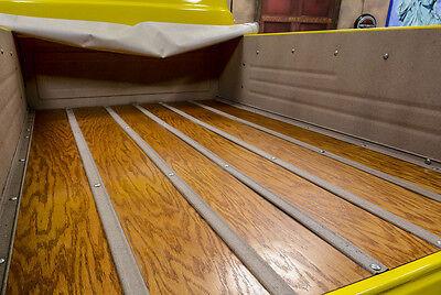 Echtes Holz auf der Ladefläche – fast zu schade für den Transporteinsatz