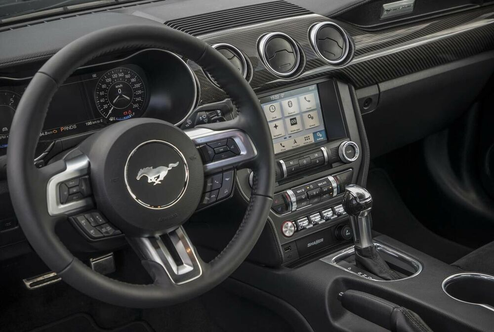 Ford Mustang 2018: Cockpit
