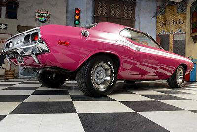 An den vierteiligen Rückleuchten zu erkennen: Der 1972er Challenger