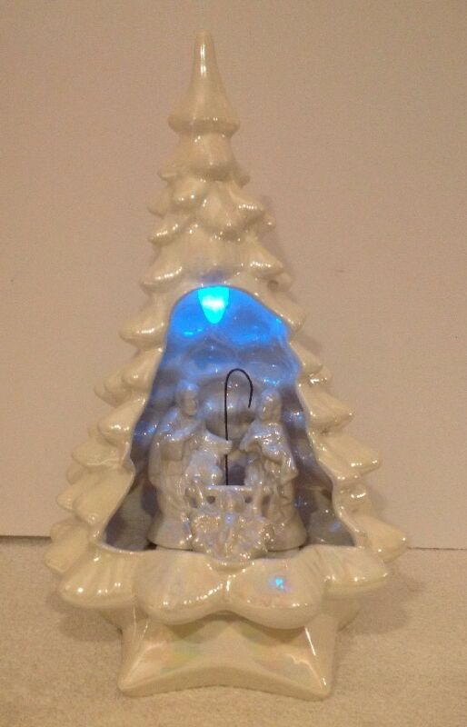 "VTG 5 PC HOLLAND MOLD 19"" CERAMIC CHRISTMAS TREE NATIVITY PEARL WHITE FIGURES"