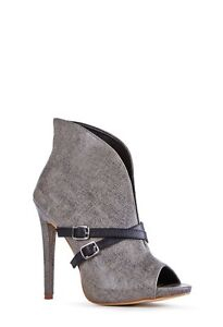 Grey shoes/ size 10