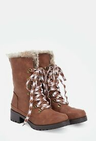 Brand New Women's Brown Boots From JUSTFAB Size 5.5