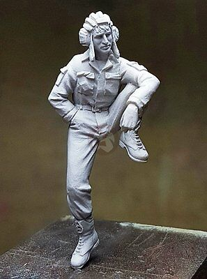 Djiti''s 1/35 Russian Tank Crew Soldier Tanker Sitting on Tank / AFV Turret 35069