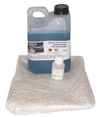 2kg de resine polyester  iso. avec 2m2 de mat de verre.