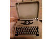 """""""Hermes rocket"""" 1950s travel typewriter"""