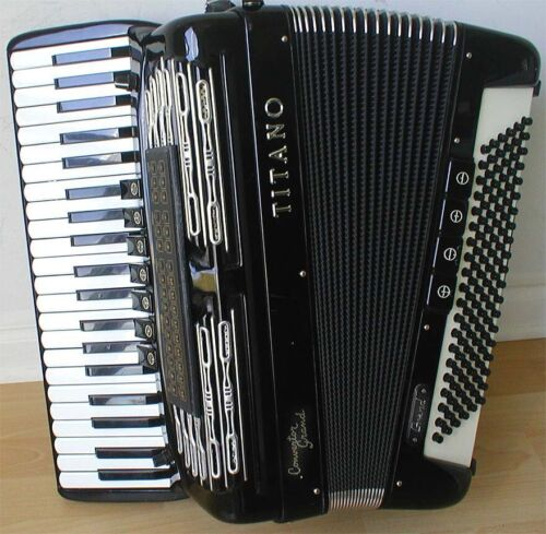 Titano Convertor Grand FreeBass Accordion.MIDI with Built-in Sound Module Excell