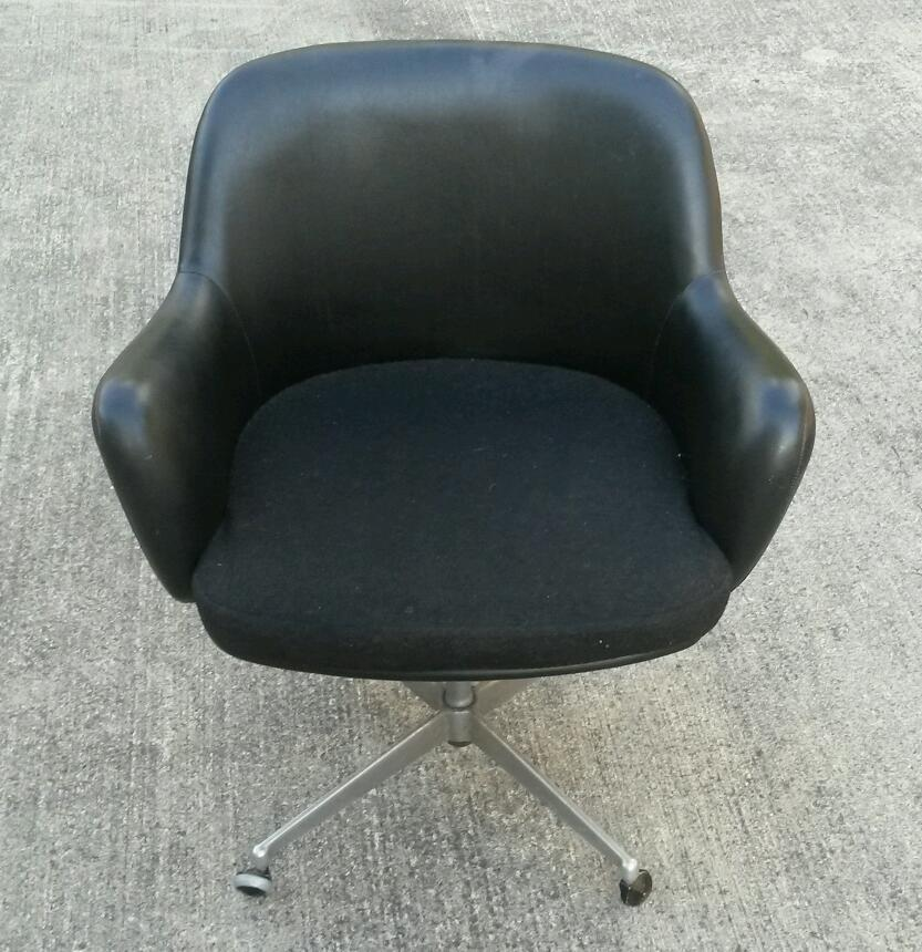 Lovely Black Leather Vintage Tub Chair On Wheels In Great