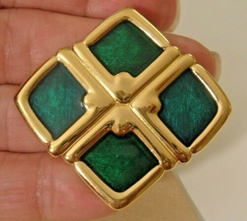 VINTAGE SQUARE BROOCH SIGNED MONET GOLD ABSTRACT PEACOCK GREEN LUMINOUS ENAMEL
