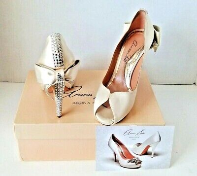 Beautiful Aruna Seth Wedding Shoes Size 37 ( 6.5 US) Made In Italy