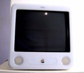 """Apple eMac 15"""" Desktop"""