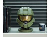 New Halo Masterchief Helmet Blue Tooth Speaker. New in Box.