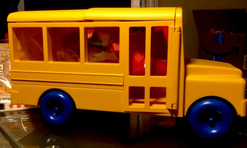 TUPPERWARE TUPPERTOYS NEW VINTAGE SCHOOL BUS TOY *NOS*