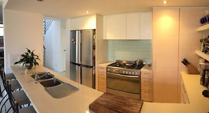 Luxury Gold Coast living. Have your own space! +Private Bathroom! Hope Island Gold Coast North Preview