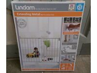 LINDAM EXTENDABLE GATE NEVER BEEN OPENED