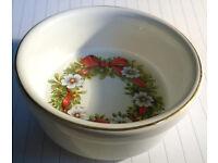 ceramic christmas wreath bowl