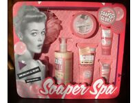 "Soap and Glory ""Soaper Spa"" Gift Set. Brand New and in Sealed Box"
