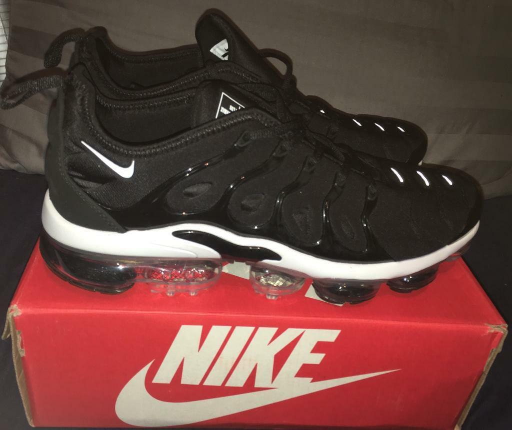 5d9a16ce09333 Nike Air Vapormax TN Plus Tuned Black White Mens Trainers UK 10 BRAND NEW  IN BOX