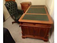 5.9 ft x 2.9 ft Mahogany Wood Partners Desk+Filing Cabinet Immaculate Condition