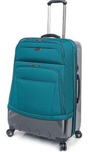 """Wilshire 24"""" Expandable Spinner Suitcase"""