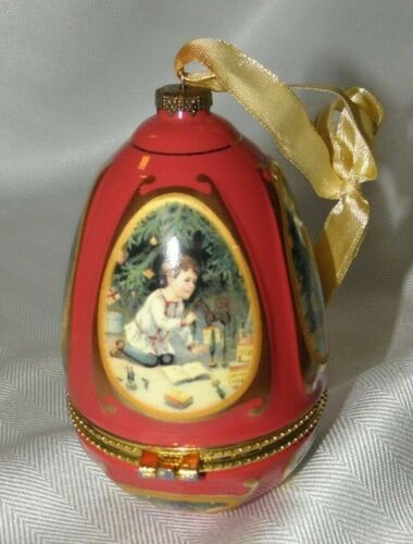 """MUSICAL~TRINKET EGG  RED/ GOLD EGG~BOY PLAYING~PLAYS """"LITTLE TOWN IN BETHLEHAM"""