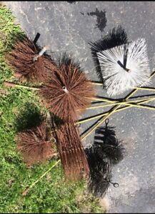 Divers brosses pour cheminée