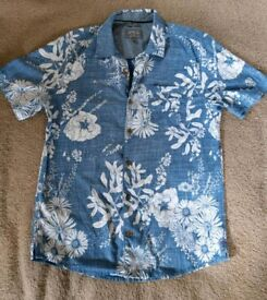Fat Face blue and white floral shirt small