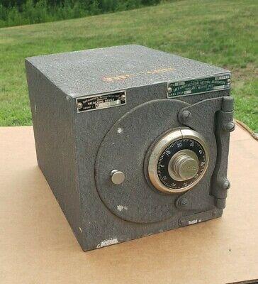 1953 Mosler Burglary Resistive Chest Safe With Working Combination Sz 100NE B1