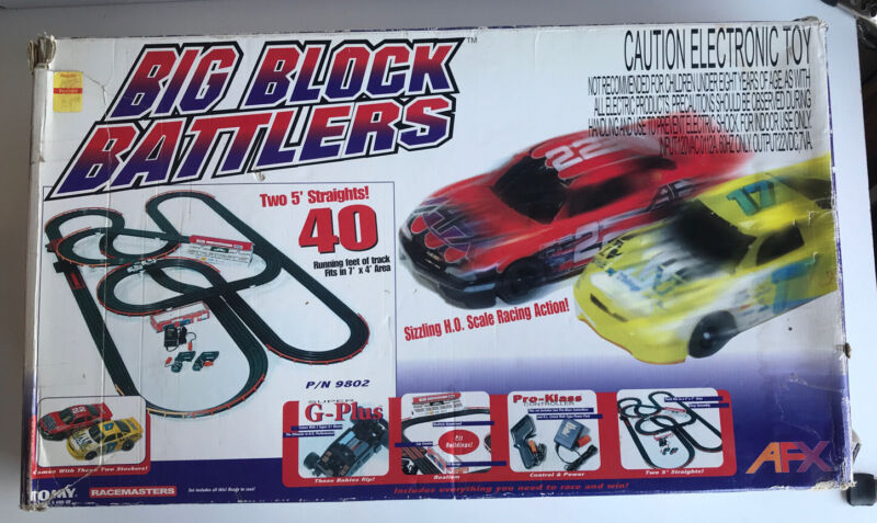 Vintage Tomy AFX Big Block Battlers No. 9802-Track Complete with 2 Cars HO Scale