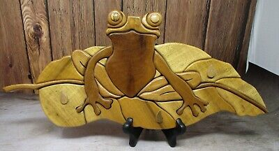 Vintage Myrtlewood Hand Made TREE FROG by Ghost Tree Arts of Oregon GORGEOUS!