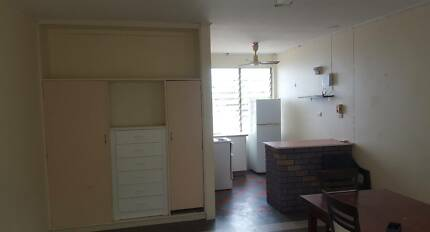 1 Bedroom unit/ Studio apartment, Fannie Bay, Aircon, $230/week