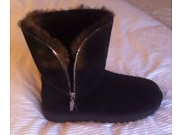Brand new - UGG boots **DEFINITELY GENUINE** with hologram - FLORENCE