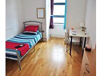 Single bed in 3 rooms flat at Copenhagen pl Street in London - Room 2