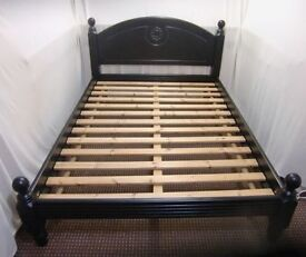 BLACK DOUBLE WOODEN BED FRAME