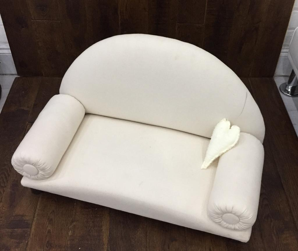 Mini couch used for posing newborns on in newborn photography