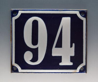 EMAILLE, EMAIL-HAUSNUMMER 94 in BLAU/WEISS um 1955