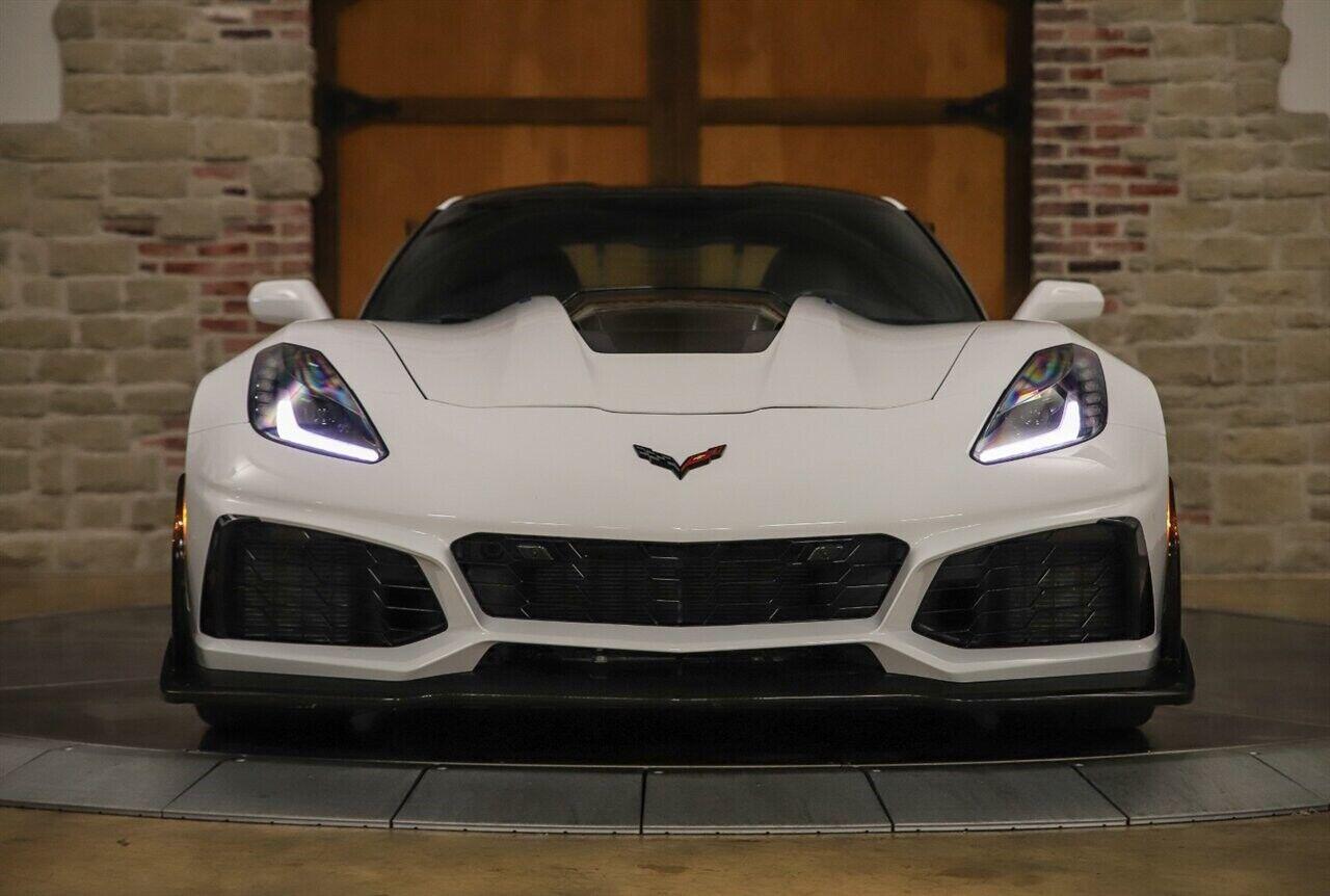 2019 White Chevrolet Corvette ZR1 3ZR | C7 Corvette Photo 4