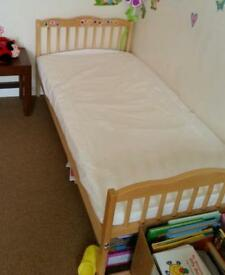 Toddler bed, clean, new condition